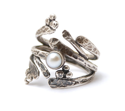 Twig Ring with gemstone