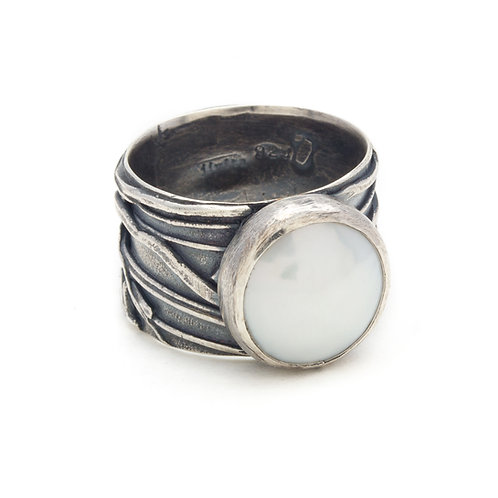 Pearl Oleada Ring