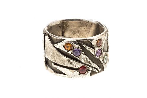 Confetti Sapphire Ring