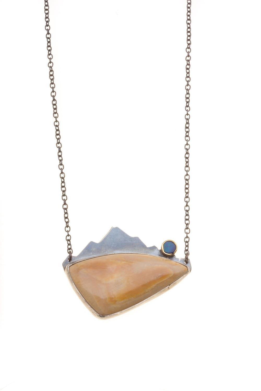 http://www.jivitajewelry.com/product-page/mud-bay-necklace