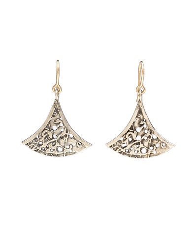 Dagoda earring