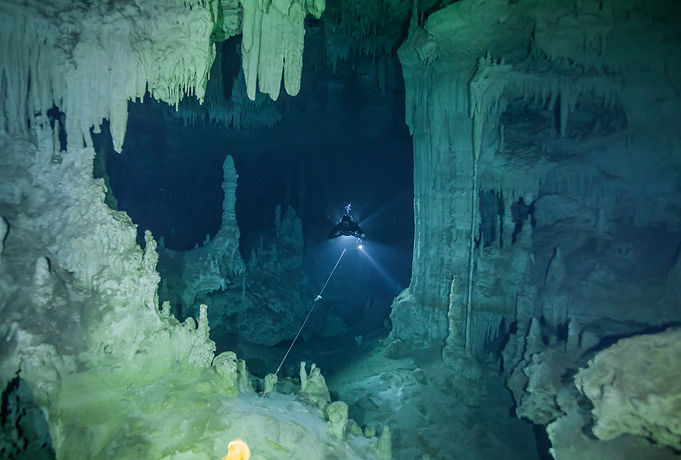 cave diving training mexico cenote