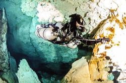 cave diving sidemount diving