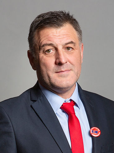 Official_portrait_of_Ian_Byrne_MP_crop_2