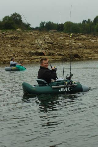 pêcher_d'un_kayak.jpg
