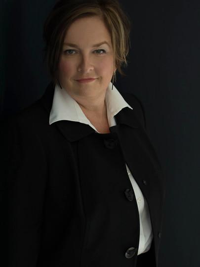 Business branding portrait by Deanna Dusbabek Photography