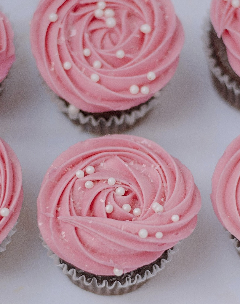 Deanna Dusbabek Photography pink cupcakes for client treats.