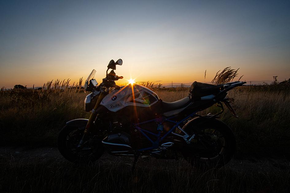 BMW Sonnenuntergang-klein.jpg