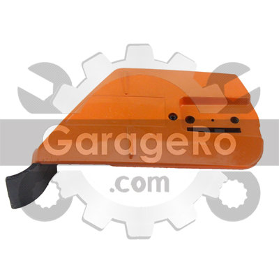 Capac lateral ambreiaj drujba compatibil pentru modelele Husqvarna 365, 371, 372, 575.