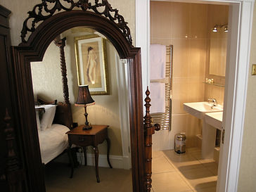 Bridal Suite - Bathroom.jpg