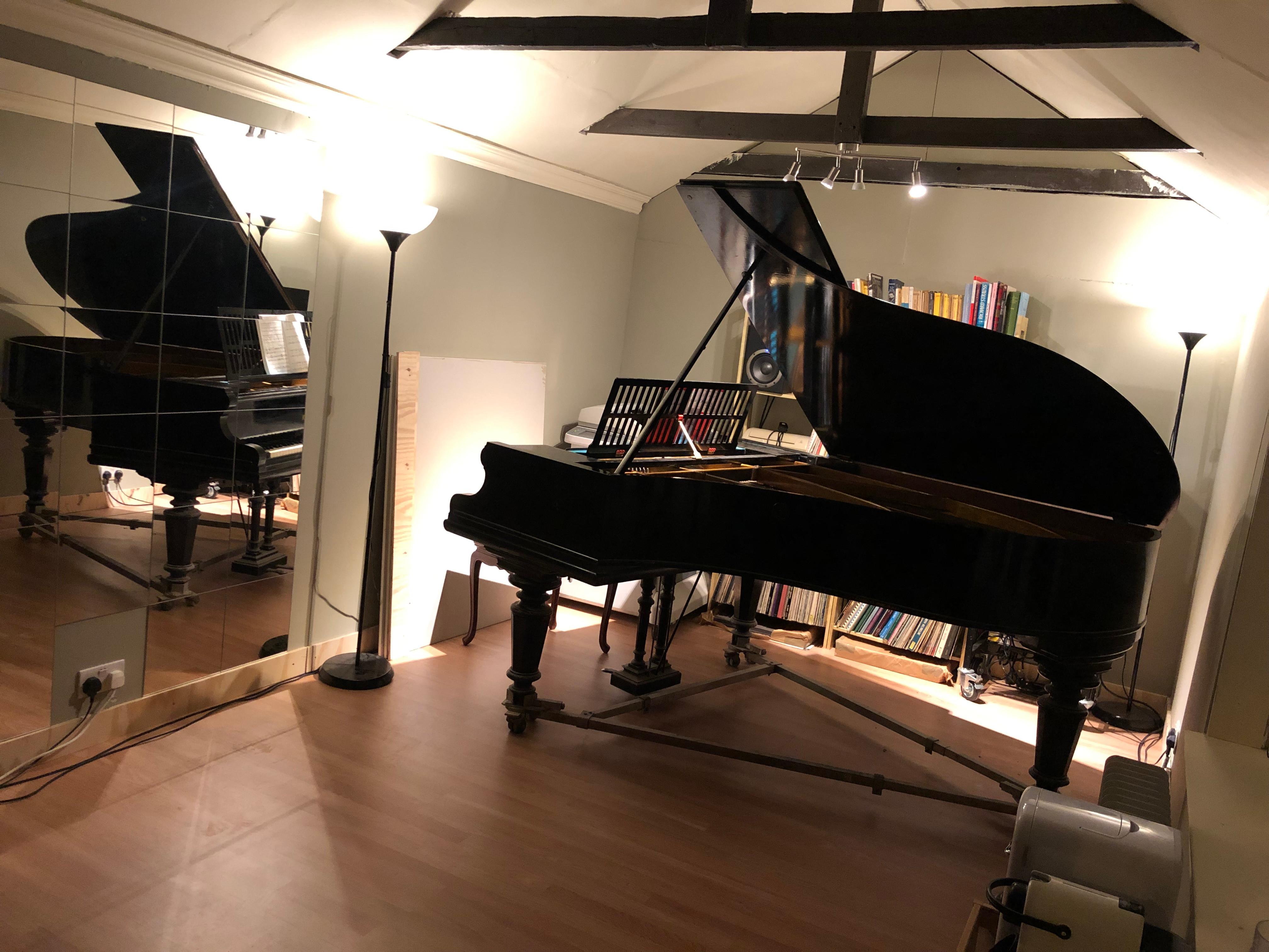 1 Hr Piano and Studio