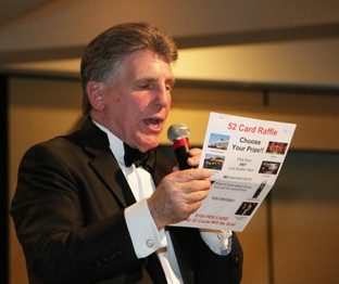 dan-stall-charity-auctioneer-0233-500x42