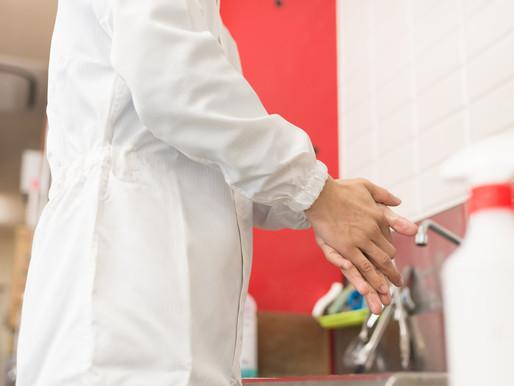 狭い場所でも簡単設置!衛生管理の基本は手洗いから! コンパクトでリーズナブルな微酸性次亜塩素酸水生成装置が登場!