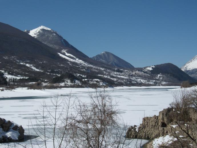 lago di barrea febbraio 2012.jpg