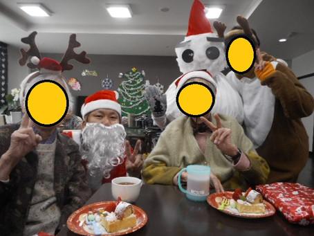 今年の締めくくり「クリスマス会」!~介護付有料老人ホーム麻姑の離宮西大寺~