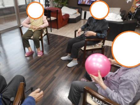 スポーツの秋 室内でも頑張ります!! ~介護付有料老人ホーム 「麻姑の離宮西大寺」~