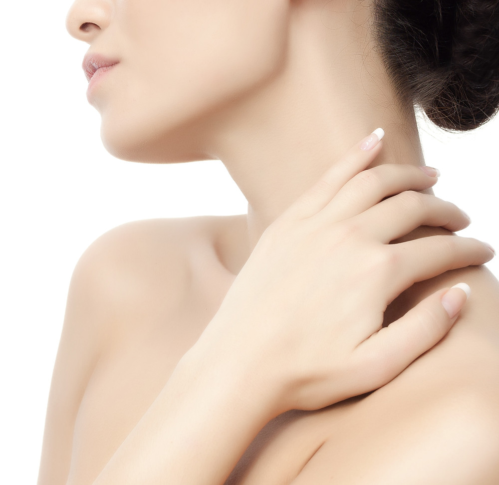 Tighten, lift and contour the neck and jawline with Radoifrequency Contouring, the noninvasive option.