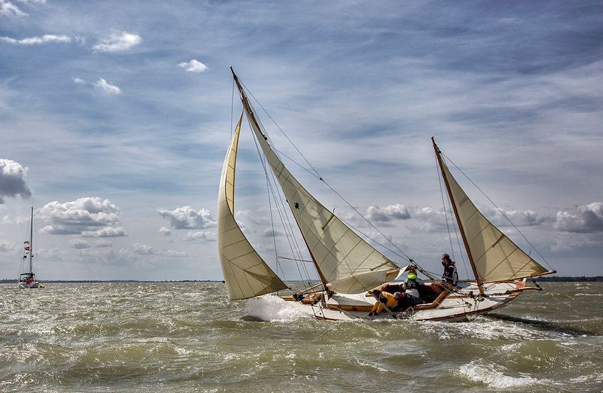 Classic Yacht Cormorant - Finish in Sight