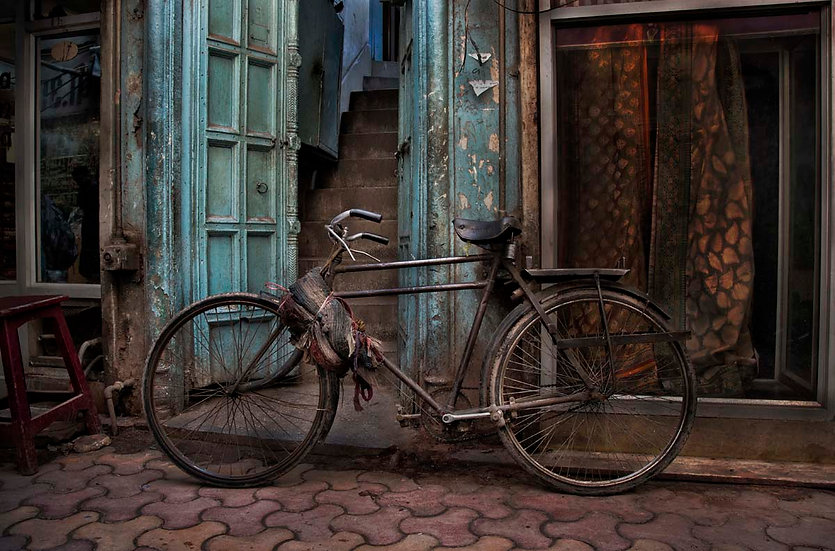 Decaying Elegance - Calcutta