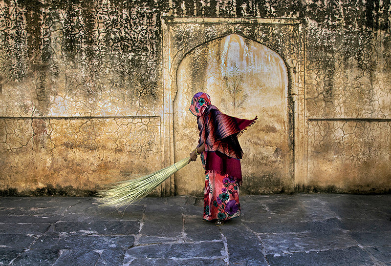 Sweeper at the Amber Fort - Jaipur