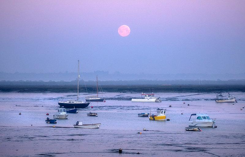 Mersea Moonset