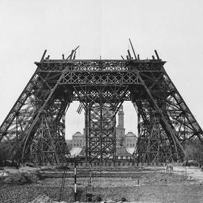 Torre Eiffel: marcando a história e a paisagem a 130 anos.