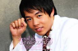 Quang Le, Singer
