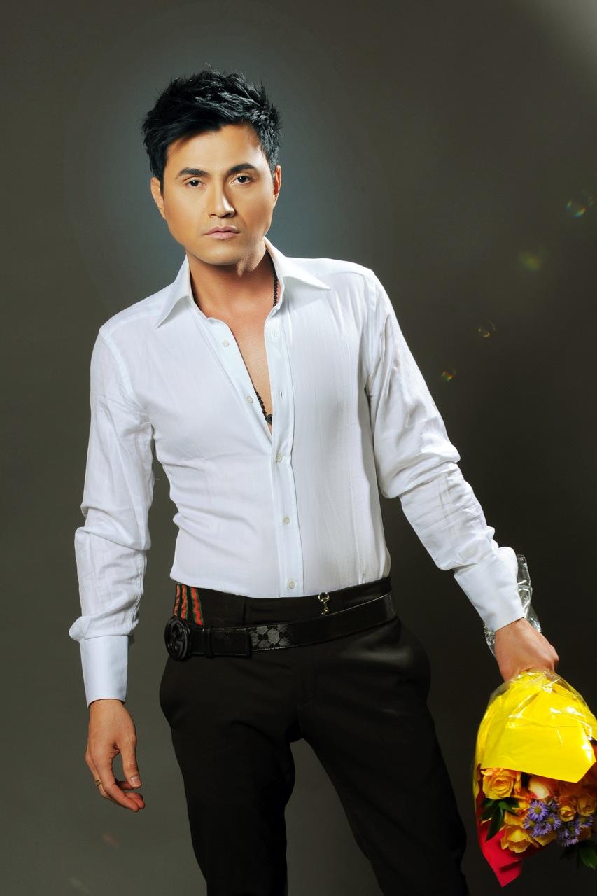 Leon Vu, Singer