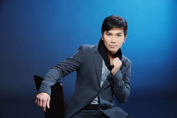 Manh Quỳnh, Singer