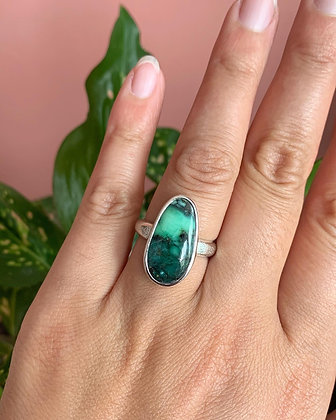 The Big Green Damele ring   Size 8