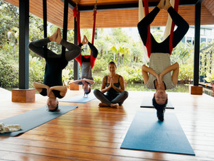 AERIAL YOGA - EVERYDAY PEOPLE CHANNELING THIER INNER CIRQUE DU SOLEIL