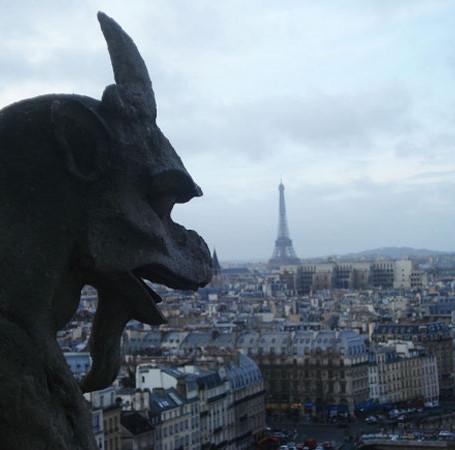 Promessa é divida, enfim as Gárgulas da Notre Dame.
