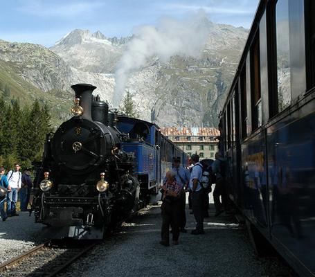 Passeios de trem a vapor na Suiça.