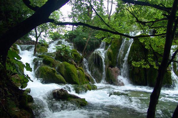 Parque Nacional dos Lagos de Plitvice – Croácia