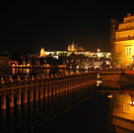 Praga: o seu roteiro pelo leste europeu começa aqui.
