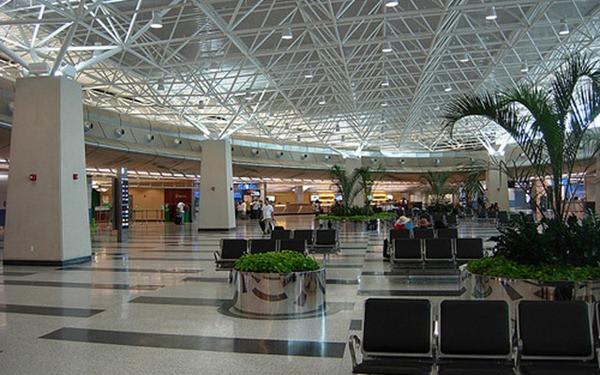 Central Locadoras de Carros - Aeroporto - Miami