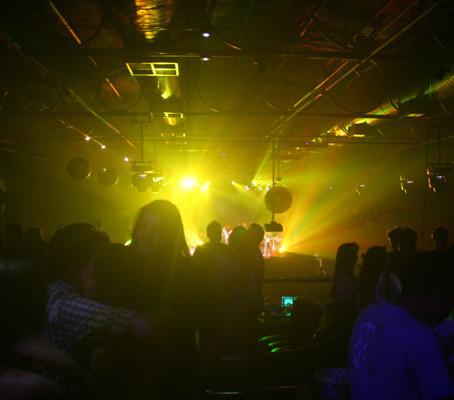 Até altas horas na Ono Teatro Bar