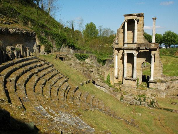 Volterra - Ruínas do Anfiteatro Romano - Toscana - Itália
