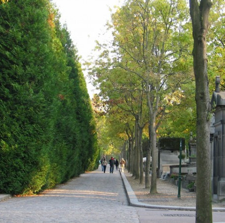 Um passeio inusitado em Paris: Cemitério Père Lachaise.