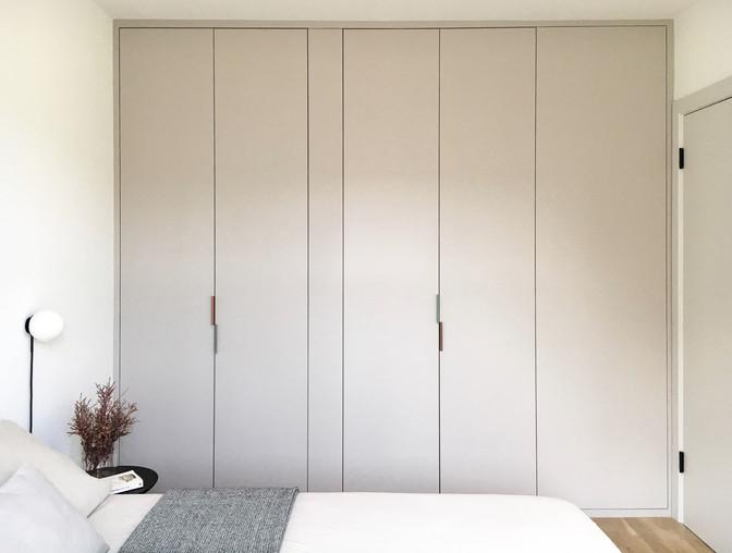 664-apartment-interior-bedroom-closet_ed
