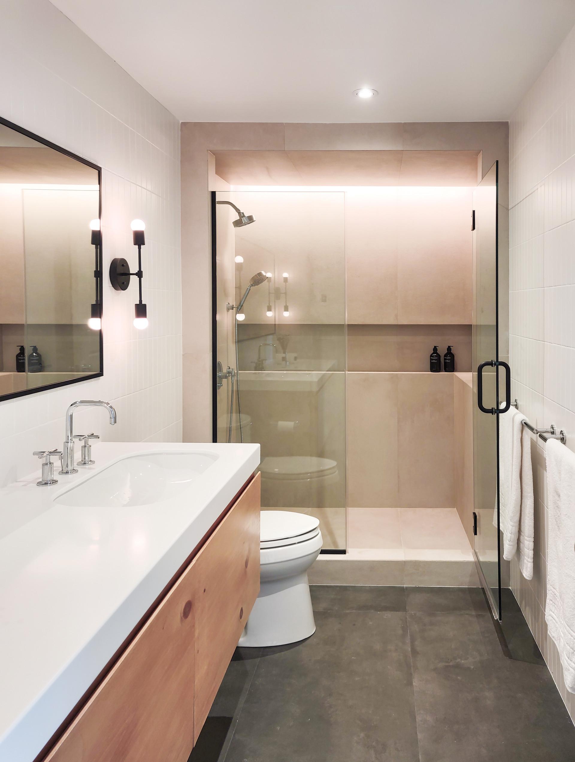 10-H-HOUSE-GUEST-BATHROOM.jpg