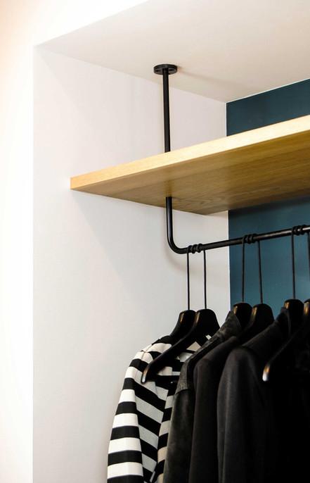 664-apartment-interior-entry-millwork-de