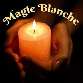 La magie blanche est l'art d'attirer à soi les influences positives et de modifier favorablement n'importe quelle situation : amoureuse, professionnelle