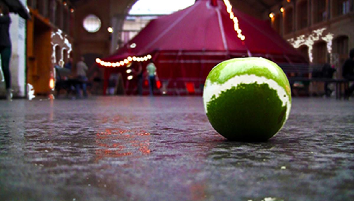 Lino Strangis, Just an apple, 8'09'', 20