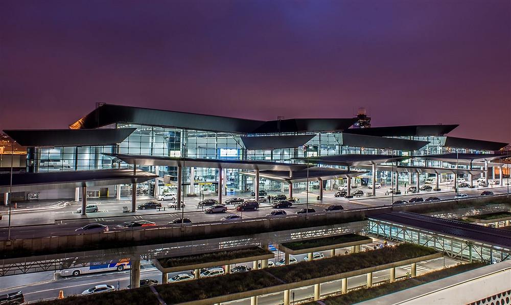 Maior aeroporto do Brasil. Aeroporto de Guarulhos. Ponto turístico em São Paulo.