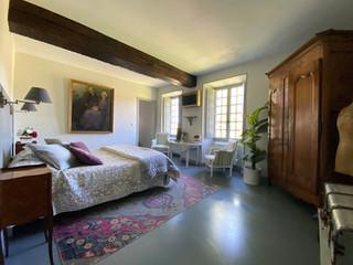 DELPHINE BEDROOM 1