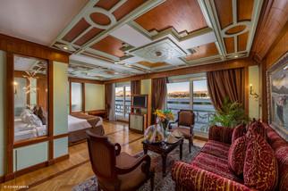Royal Suite-02.jpg