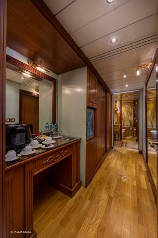 Royal Suite-08.jpg