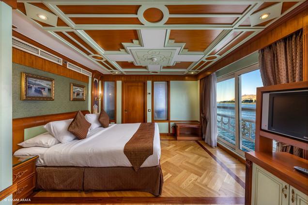 Royal Suite-03.jpg