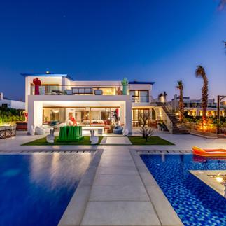 Hacienda Red Villa